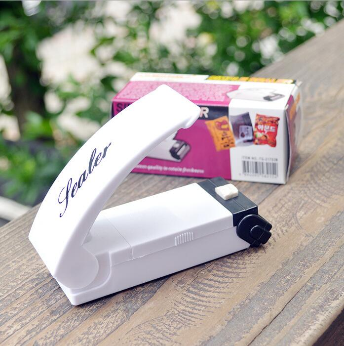 2016 New Mini Portable Vacuum Food Sealer Heat Sealing Machine Impulse bag Sealer Seal Machine Poly Tubing Plastic Bag Kit Tool(China (Mainland))