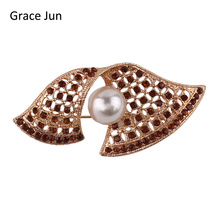 Grace Jun 2017 New Design Pearl Brooches for Women Party  Fashion Alloy Material Brooch Pin Suit Lapel Pin Bijouterie Good Gift