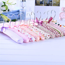 5pcs/1Set Soft Cloth Hanger Sponge Wrapped Clothes Rack Cloth Hangers Hot Sales 2017 Fashion New Free Shipping DN148