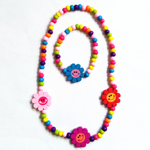 New Elastic Rope Children's wood Beads Necklace Bracelet Smile Flower Combination Environmental Beautiful Gifts(China)