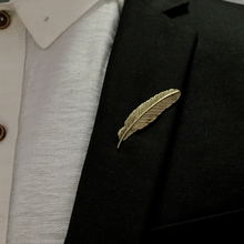 Hot Mens Fashion Charm Vintage brooch pins gold feather retro collar pin lapel pin brand design unique brooches 0