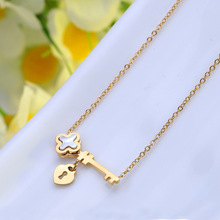 Titanium Stainless Shell Lock Key Pendant Necklace Gold Dipped  Shell Clover Charm Durable Color Necklace Women Jewelry RX057
