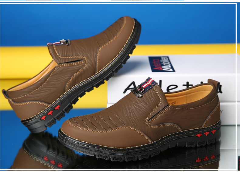Slip-On Split Leather Casual Men's Comfortable Moccasin Shoes
