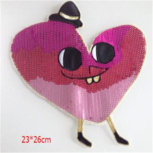 Free shipping women girl clothes pink Sequins patches heart logo fashion embroidery patch for clothing patchwork fabric