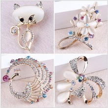 Elegant Crystal Rhinestones Cat / Peacock / Bow / Aquarius and Floral Design Brooches Broches Pins in assorted