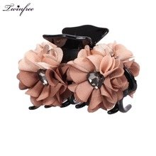 8cm Size Two Color Cloth Flower Shape Hair Claws Gripper Floral Hair Clip With Heart Shape Rhinestone Women Hairwear(China)