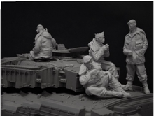 Free Shipping 1/35 Scale Unpainted Resin Figure Modern British tank crew 4 figures collection figure