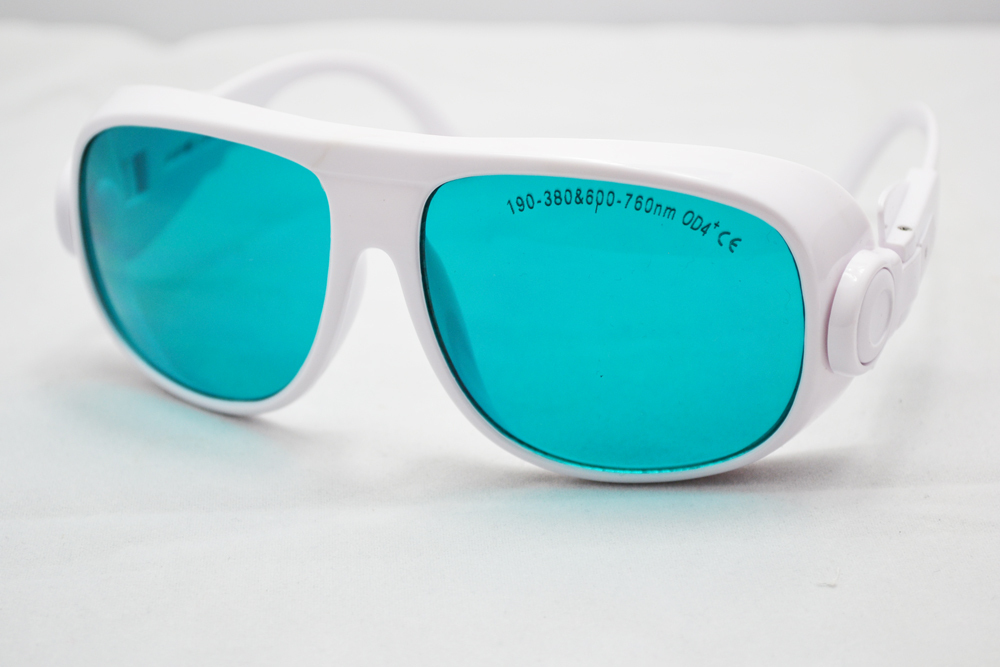 laser safety eyewear190-380 &amp; 600-760nm O.D 4+ CE certified high VLT%. for 266, 355, 635, 650nm 660nm lasers<br>
