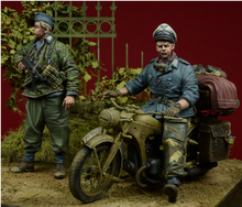 Free Shipping 1/35 Scale Unpainted Resin Figure WW2 German soldier ( moto is not included ) 2 figures collection figure