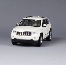 1:24 Maisto 2011 Jeep Grand Cherokee Golden White Red Diecast Car Model Toys For Boys Gifts Collections Brinquedos