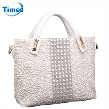 2017 New Women's Handbags Lace Hollow Out Bags Simple Diamonds Fashion Shoulder Bags For Female All-Match Flower Zipper Bags(China)