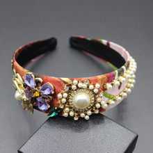 New hair bands Europe and the Baroque catwalk models honey bees  flowers hair wideband cashmere hair band hair accessories  302