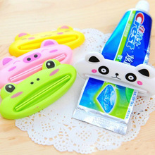 Multifunctional Toothpaste Clip Squeezer Creative Cute Cartoon Animal Design (Random Color)