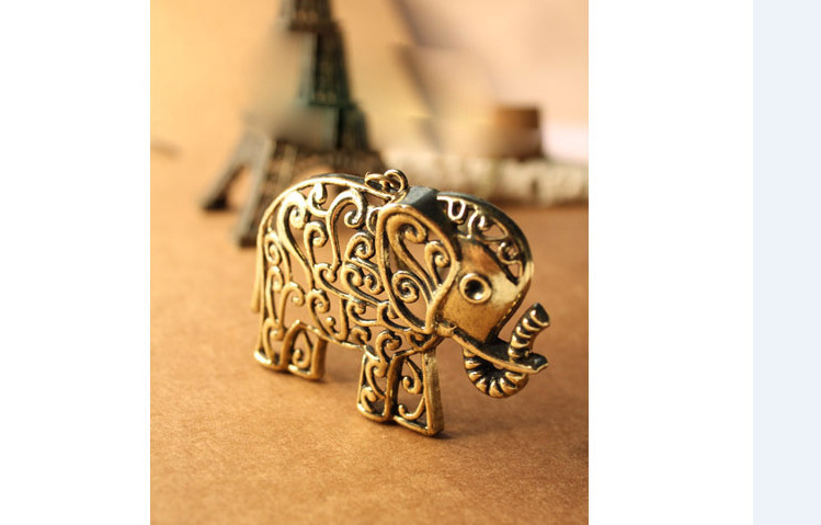 Carve patterns or designs on woodwork restoring ancient ways is cute elephant necklace Bronze elephant sweater chain(China (Mainland))