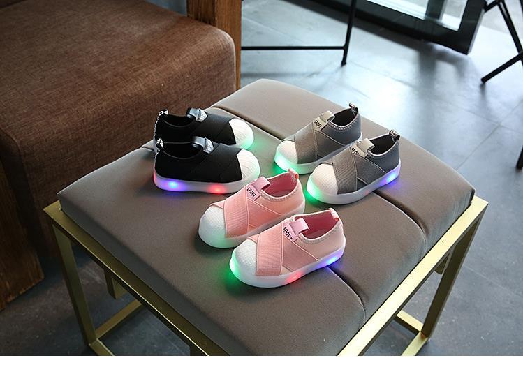 أحذية الأطفال مضيئة 5