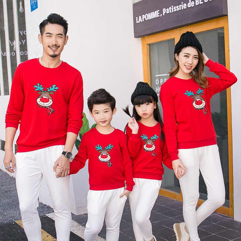 32a909826c3 Detail Feedback Questions about Hot Sale New Year Family Look Deer Mommy  and Me Clothes Matching Family Clothing Sets Mother Daughter Father Baby  Warm T ...