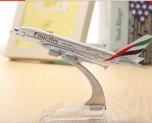 plane model Boeing 380 emirates airline aircraft  A380 Metal Solid simulation airplane model for kids toys Christmas gift