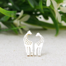 Jisensp Tiny Cute Giraffe Earrings Studs in Stud Earrings For Women Simple Jewelry Creative Teenage Girl Fashion Ear Studs E041