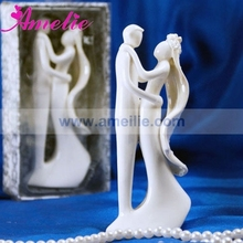 Retail Wedding Cake Topper Party Cake Decoration Ceramic Wedding Supplier White Bride and Bridegroom Wedding Cake Topper Couple