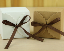 100pcs Retro Khaki / White Wedding Favors Candy Boxes Bomboniera Kraft Paper Chocolate Gifts Box With Coffee Ribbons