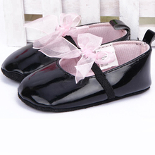 Hot Top Fashion Newborn Infant Crib Ribbon Bowknot Dance Shoes Baby Girls Lace Soft Sole PU Leather Black Prewalker First Walker