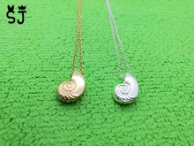 1PCS- N066 Mermaid Seashell Necklace Ariel Voice Sea Shell Necklace Spiral Swirl Snail Necklace Ocean Beach Conch Necklaces