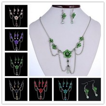High quality Women Jewelry Sets shine Austrian Crystal flowers Chain pendant Necklace Dangle arrings Jewelry Sets For Women