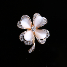 OneckOha Fashion Rhinestone Four Leaf Clovers Brooches Opal Stone Flower Pin Women's Jewelry Brooch