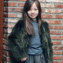 2016 new children's raccoon fur coat winter fall hot girl long-sleeved fur coat short paragraph solid color good quality