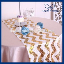 RU018B For sale wholesale fancy metallic wedding beaded gold and white chevron sequin table runner