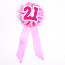 2017 New design adult ceremony favor girls birthday badge happy birthday brooch Event party supplies 50% off if buy 5pcs
