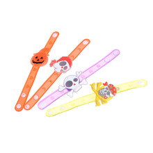 Halloween glitter wrist band Adjustable Bracelet Fashion children cartoon toy supplies led light glow flashing soft rubber party(China)