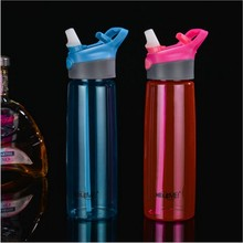 NEWEST 700ml Tritan Water Bottles With Straw My Bottle Water pot Portable Sport pots Travel Water Bottles With Hook pots Plastic(China)