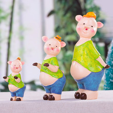 Fairy garden Cute Pig a Family of Three Wedding Room Decorations Home Accessories Decoration Modern Creative Ornaments Gift(China)