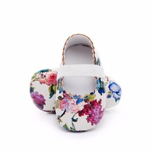 WONBO Hot sell floral style soft sole pu leather baby girls dress princess shoes baby moccasins mary jane shoes first walkers(China)