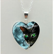 2017 New Black Cat Heart Necklace Green Eye Cat Pendant Jewelry Moon Murano Glass Heart Necklace HZ3(China)