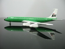 1:400 U.S. Braniff International 707 N7100 Green Airplane Model Airplane Model Toys For Sale Free Shipping(China)