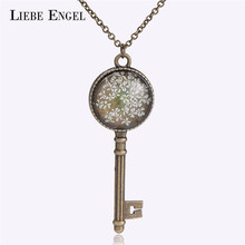 LIEBE ENGEL 4 Colors Dried Flower Key Shape Pendant Necklace Bronze Chain Vintage Statement Necklace Clover Jewelry For Women(China)