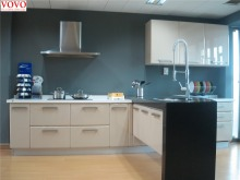Customized kitchen cabinets company