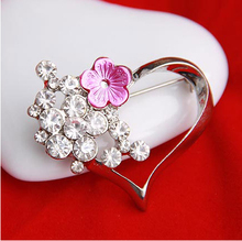 Hot Sale Unique Design Fashion Ornament Girl Rhinestone Heart Ladies' Alloy Costume Brooch,Free Shipping