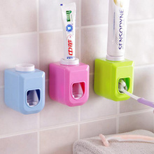 Top Sale Automatic Toothpaste Dispenser family Toothbrush Holder bathroom household items toothbrush dispenser bathroom tools