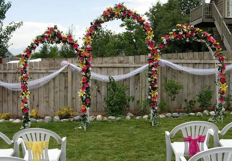Metal arch for wedding