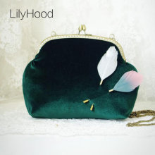 2017 Women Velvet Shoulder Bag Handmade Etsy Vintage Retro Fashion Feathers Frame Chain Kiss Lock Cute Funky Green Purse Bag