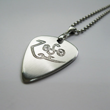 Free shipping Led Zepplin Jimmy Page ZOSO logo hand engraving handmade pick necklace for rock fans souvenir(China)