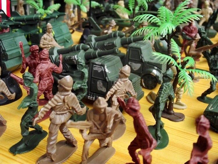 Солдатики в подарок ребенку 79