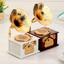 1PCS Gramophone Music Box Clockwork Gifts for Phonograph Collectors Retro Music Box New Year Gifts Home Decoration Accessories