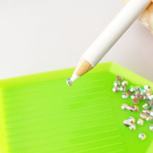 Rhinestones Picking Pen White Pencil Rhinestone Nail Dotting Tool Nail Dotter Dotting Pickup Pencil Rhinestones Manicure DZB005
