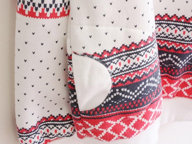 Snowflake Print Pocket Pullover Tracksuit Hoodie