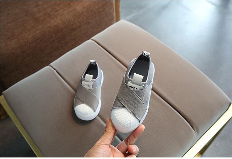 أحذية الأطفال مضيئة 16
