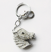 Factory direct sale Metal horsehead key chain rhinestone pendant fashion accessories women's package birthday christmas gift(China)